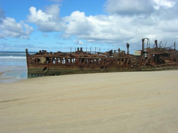 The Maheno Shipwreck on the beach at Fraser Island 2