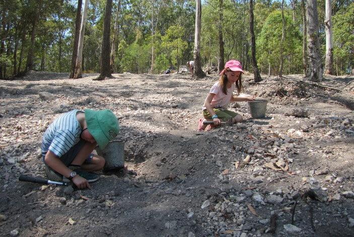 Gold prospecting and gem stone fossicking near Brisbane | Brisbane Kids
