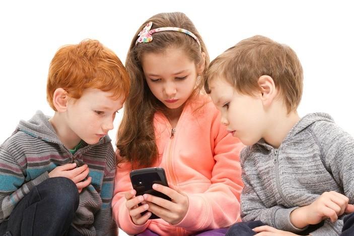children downloading apps