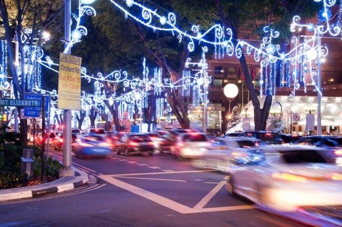 Christmas lights bus tours