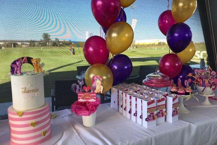 Putt putt parties, mini golf parties, kids parties in Brisbane, Golf Central BNE