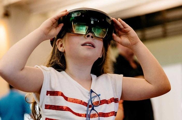 VR goggles Summer Festival SLQ