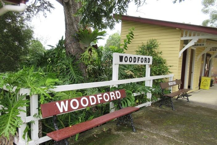 woodford train platform