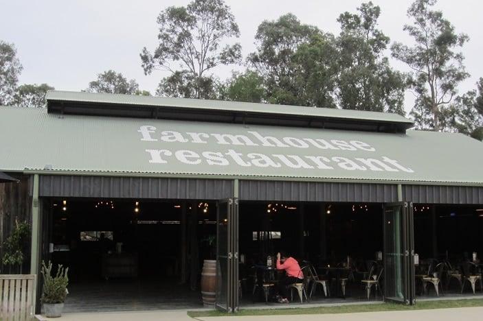 farm house restaurant paradise country