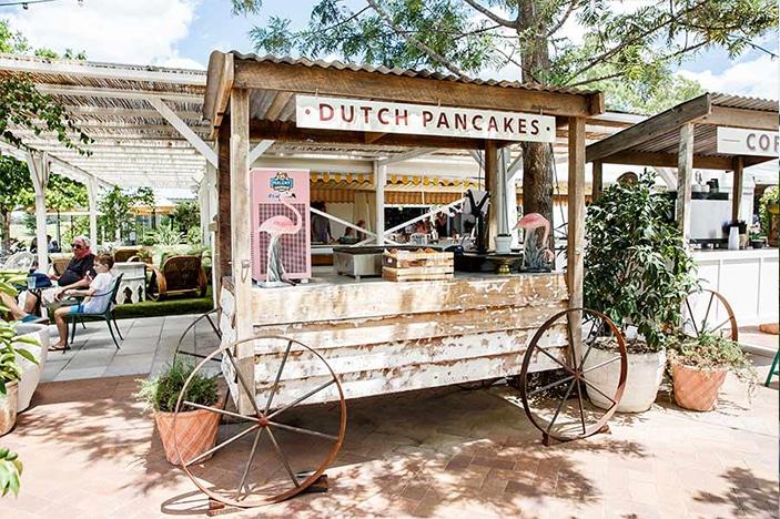 Dutch pancakes market cart